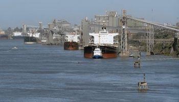 Hidrovía: entidades pidieron al Gobierno que se garantice la navegabilidad durante el proceso de licitación