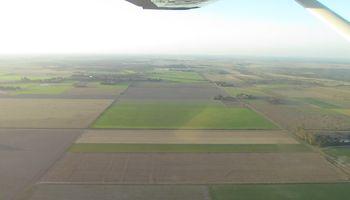 Productor lechero alquiló un avión para recuperar su maquinaria robada