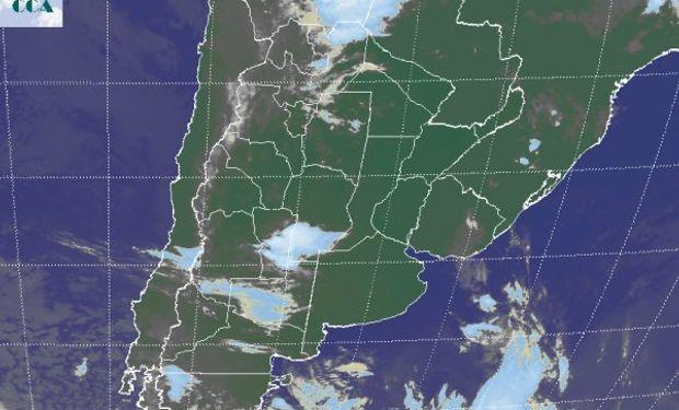 La foto satelital nuevamente presenta una zona activa en el San Luis y el sudoeste de Córdoba.