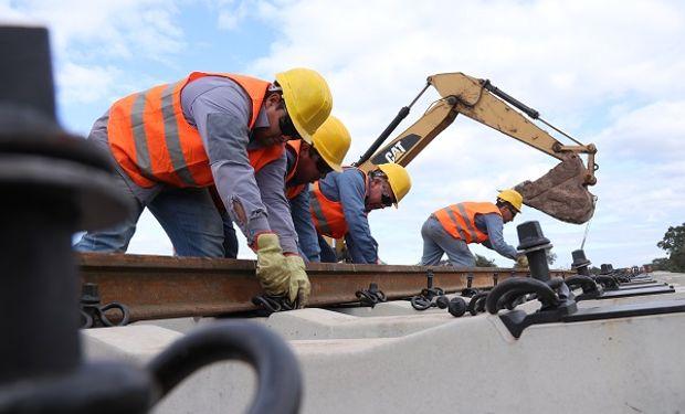 Trenes Argentinos Cargas recibirá asistencia técnica de Estados Unidos para el mantenimiento de vías.