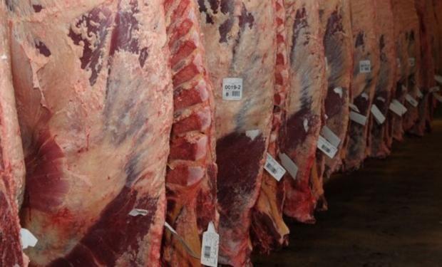 La población quisiera seguir consumiendo las cantidades pretéritas de carne, aunque con los actuales precios ha cedido pretensiones.