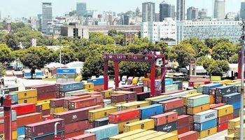 Los importadores creen que seguirán las restricciones