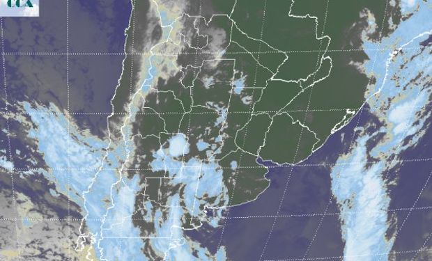 Como se observa en la imagen gran parte de la franja este del país, mantiene una estructura atmosférica estable, independientemente de las neblinas devenidas en nubes bajas.