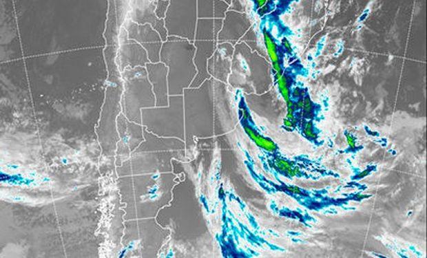 Se aprecia el retiro de las coberturas nubosas hacia el este.