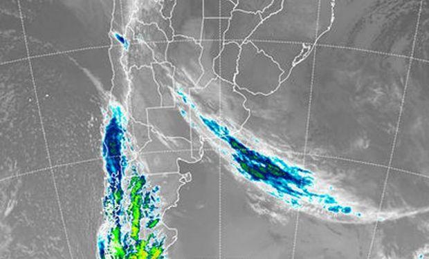 En el recorte de imagen satelital se parecían perturbaciones que transitan sobre el sur de la Patagonia.
