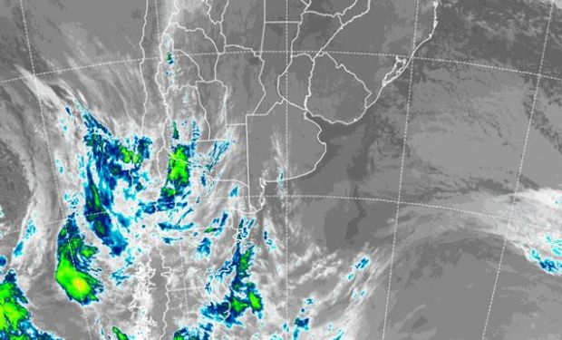 En el recorte de la imagen satelital, se observa cómo, respecto de ayer, el frente que avanza desde el Pacífico sur, lo ha hecho en forma lenta.