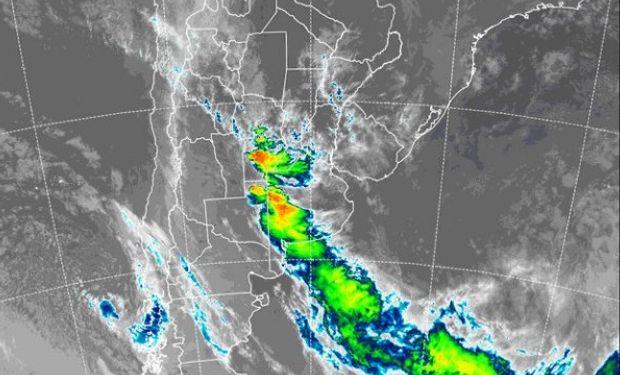 Las precipitaciones llegan al centro del país y se espera que haya acumulados de importancia