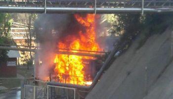 Imágenes del incendio en Bunge: aseguran que el foco ígneo está controlado