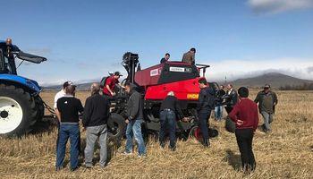 La siembra directa debutó en Armenia con maquinaria argentina
