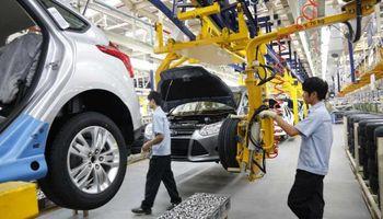 La producción de autos cerró el último trimestre en baja