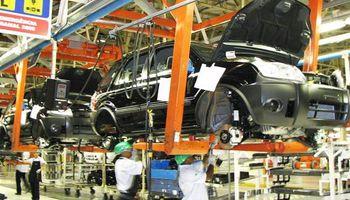 Por las menores ventas, se estancó la producción de vehículos