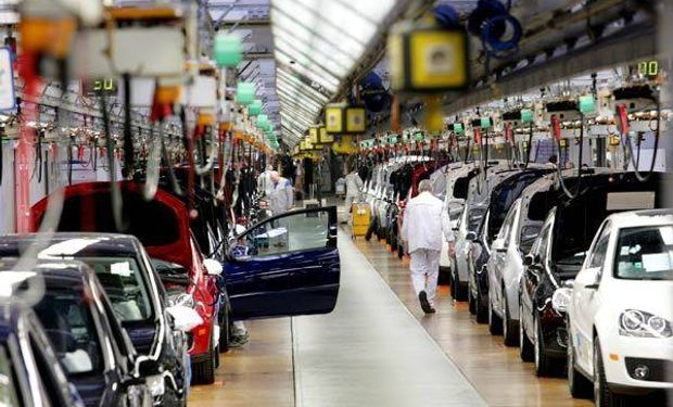 Para el INDEC, la industria bajó 0,7% en julio