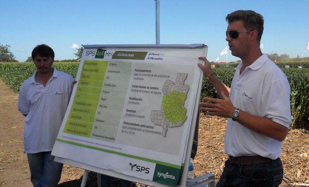 Ing. Agr. Diego Agueci explicando las variedades plantadas. Foto: Agroagencia.