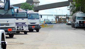 Primer día del paro: ingresaron 3.200 camiones en puertos del Up River
