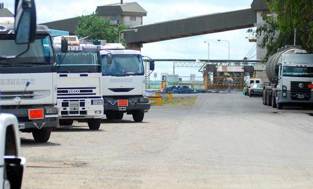 Terminales portuarias e industrias aceiteras operan con normalidad.