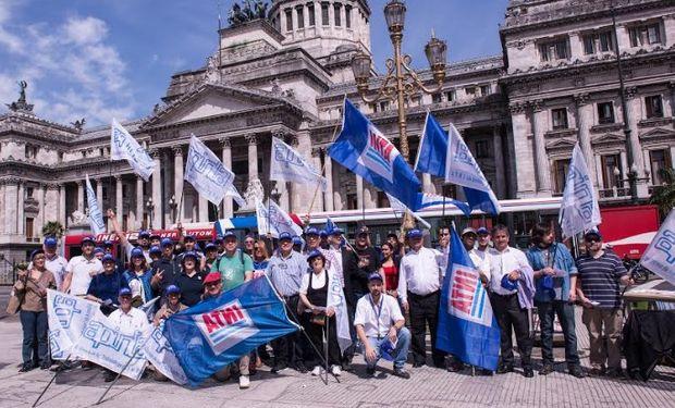 INTA: trabajadores en Plaza de los Dos Congresos.