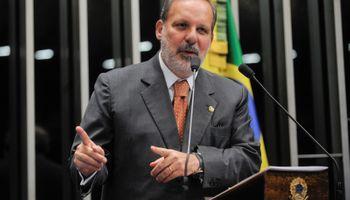 Ministro de Industria de Brasil quiere reactivar el comercio con Argentina