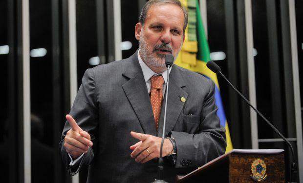 """El ministro Monteiro dijo que quería """"discutir con las autoridades argentinas esa actualización de las relaciones bilaterales""""."""