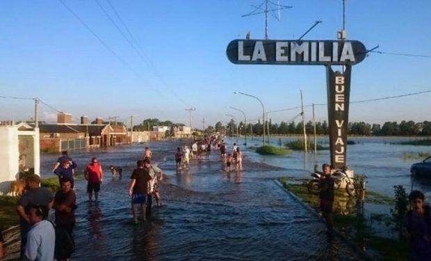 Regresaban hoy lentamente a la normalidad con la vuelta a sus viviendas de los más de 4.000 evacuados.