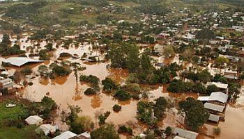 Anunciaron beneficios para damnificados por las inundaciones
