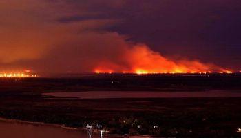 Nación, Santa Fe y Entre Ríos avanzarían en una reserva nacional por los incendios en el Delta del Paraná
