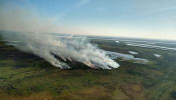 Volvieron los incendios a cuatro provincias y trabajan tres aviones hidrantes