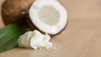 Prohíben la venta de un aceite de coco y de un producto peruano que no está en el Código Argentino