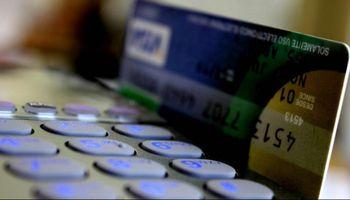 Prorrogan devolución del 5% con las compras con débito