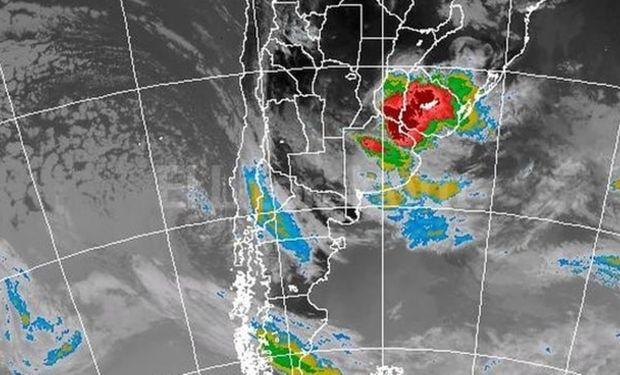 El cambio de temperatura traerá lluvias y vientos fuertes.
