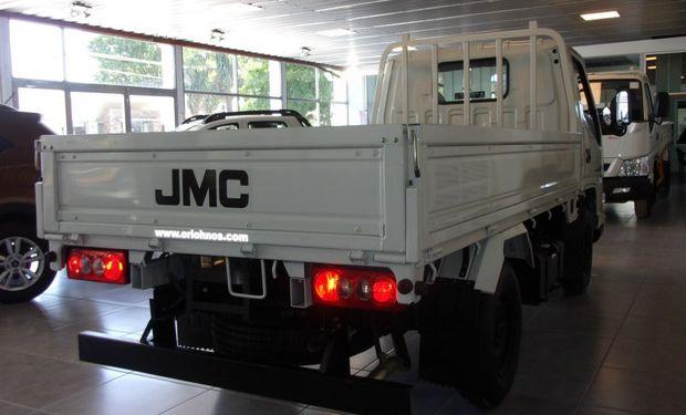 JMC N 601 con mecánica JMC ISUZU, para 2,5 Ton.