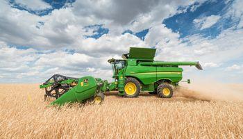 John Deere lanza una nueva serie de cosechadoras en Agroactiva