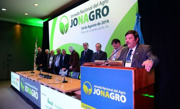 Chiesa expuso que de cara al futuro CRA organizará congresos regionales en distintos puntos del país en los próximos meses.