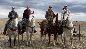 Nebraska: la experiencia de estudiar por Zoom y trabajar en el rancho familiar