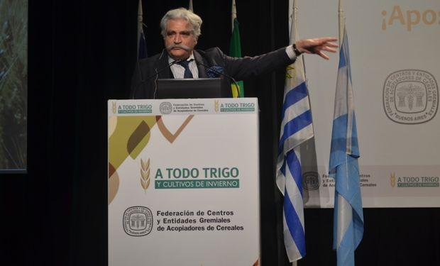 El escritor, periodista y analista político Jorge Asís en su panel de A Todo Trigo.