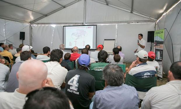 Es la primera de una serie de capacitaciones técnicas que Expoagro y la Cooperativa de Ramallo plantean como espacios en el que productores, contratistas y técnicos comparten experiencias con los especialistas.