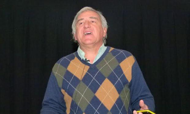 """Pablo Calviño, de CREA Mar y Sierras dijo que """"debería conocerse cuál es la probabilidad de obtener determinados rindes para decidir el manejo a realizar en cada lote""""."""