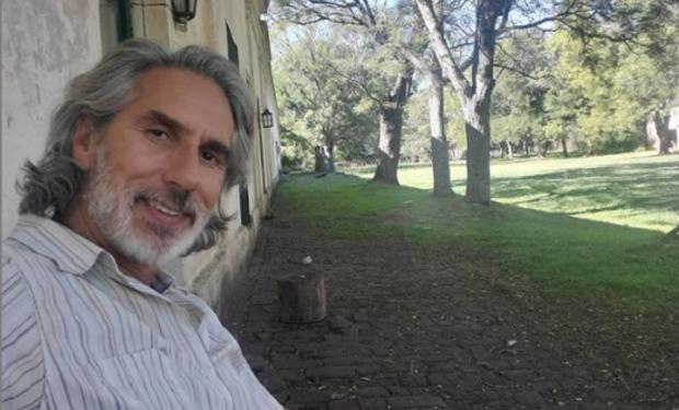Con los pies sobre la tierra: cómo es la nueva pasión de Juan Miceli
