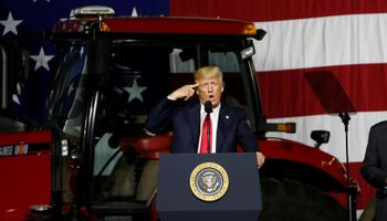Trump considera pagar US$ 73,5 por tonelada de soja a productores de Estados Unidos