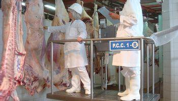 """Con cita a la Junta Nacional de Carnes, el Gobierno reglamentó los """"nuevos ROE"""" para la exportación"""