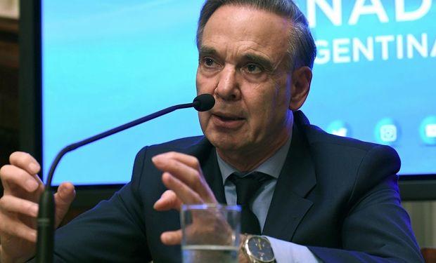 Pichetto será candidato a vice de Macri.