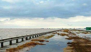 Santa Fe: cierran canales clandestinos para evitar el colapso de la laguna Picasa