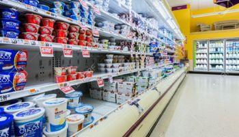 Los supermercados tienen cada vez menos participación en la venta de lácteos