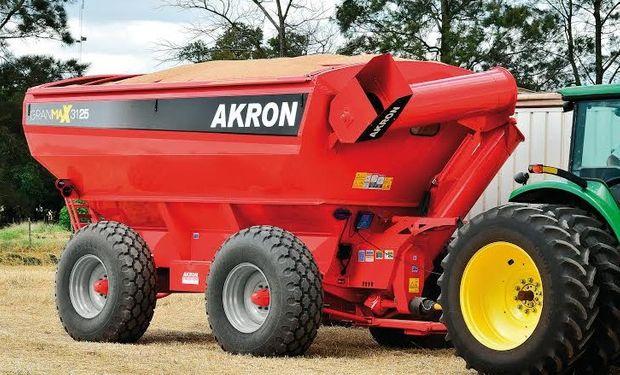 Una vez más AKRON participa en Expoagro, la feria de maquinaria agrícola.