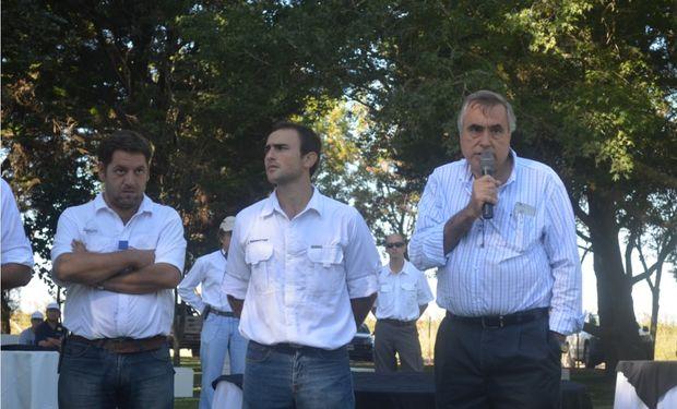 Ricardo Yapur, CEO Gerente General de Rizobacter, da la bienvenida a los presentes.