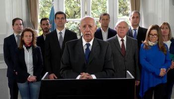 """Lavagna propone suspender la campaña electoral para """"tomar dimensión de la crisis"""""""