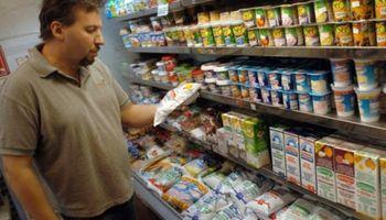 El Gobierno devolverá a comercios hasta diciembre el IVA de la leche