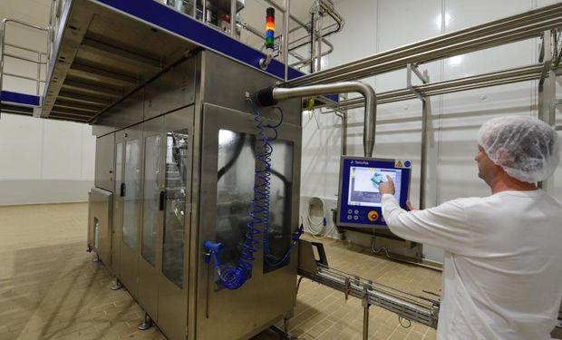 Entre las nuevas tecnologías se destacan las envasadoras, esterilizador y equipamientos que permitirá reducir en un 95% el consumo de agua.