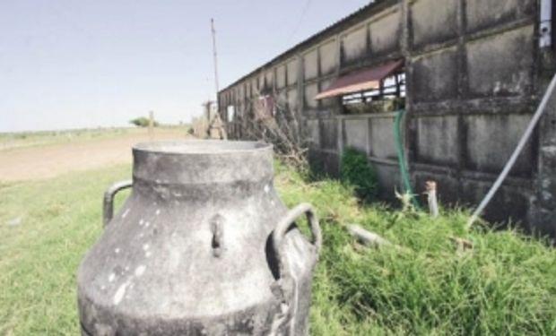Los productores de leche se vieron sorprendidos por el anuncio del sector industrial de reducir el valor a abonar por la producción ya entregada.