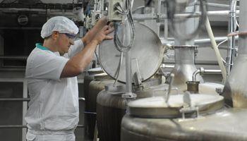 La industria láctea le planteó a Basterra los principales puntos para mejorar la competitividad