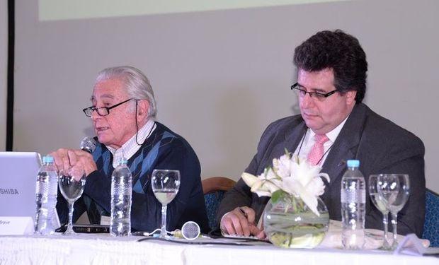 """Panel """"Agenda Estratégica para el Sector Lácteo"""" en Maizar 2015."""